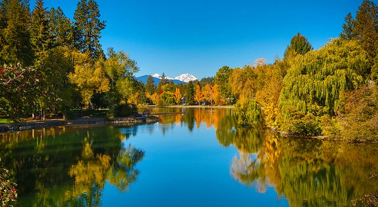 Bend, OR: Drake Park in the Fall