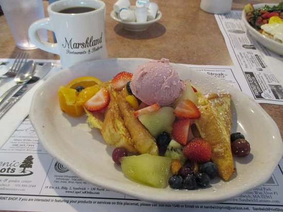 Marshland Restaurants & Bakeries: French Toast with fresh berries and raspberry butter - delicious and pretty as a picture