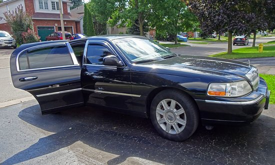 Lincoln Town Car Picture Of Jerry S Limousine Service Oshawa