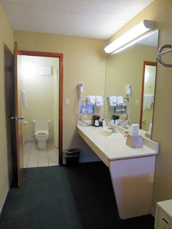 Vandalia, OH: Room 115 bath area - slow sink