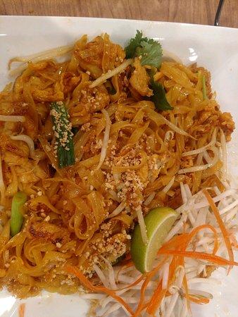 Highland, كاليفورنيا: Pad Thai with Chicken