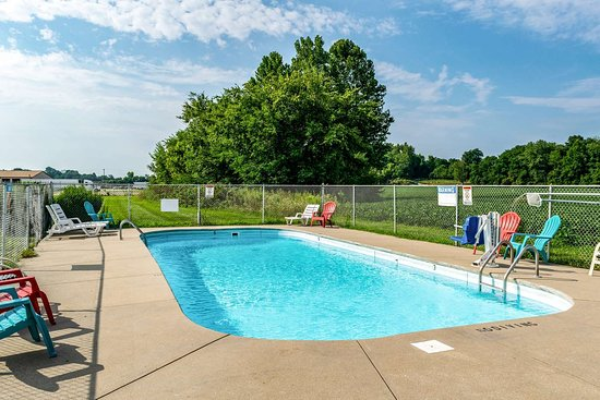 Taylorsville, IN: pool