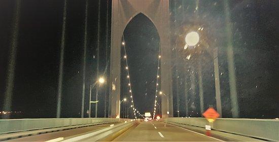 Claiborne Pell Newport Bridge 사진