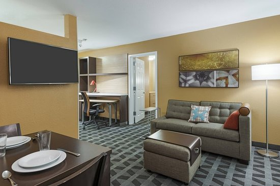 Towneplace suites savannah midtown 101 1 1 0 updated 2018 prices hotel reviews ga for Hotels with 2 bedroom suites in savannah ga