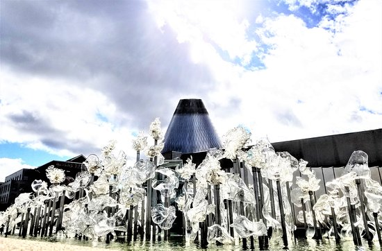 Tacoma Glassblowing Studio: Museum of Glass -