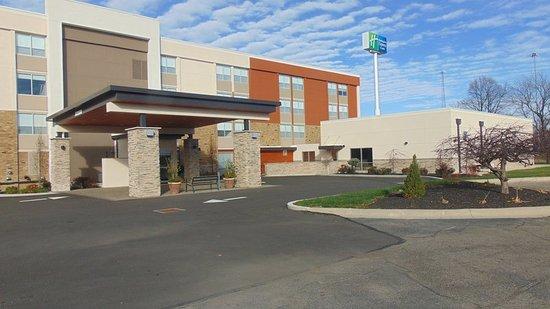 Holiday Inn Express Suites Updated 2018 Prices Reviews Photos Wapakoneta Ohio Hotel Tripadvisor