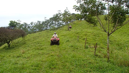Agua Azul, Costa Rica: rolling hils