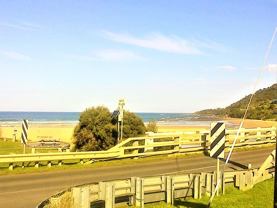 Entrance bridge over the Wye River, remember to slow to 50kms! [July 2018]