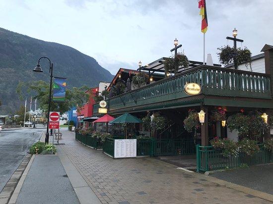 Black Forest Steak & Schnitzel: Restaurant