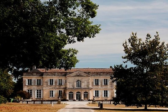 Chateau du Taillan and Park, incluido...