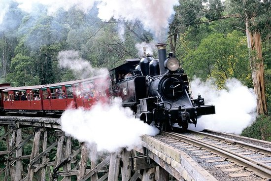 Puffing Billy & Wineries ...