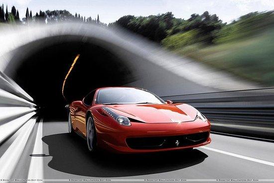 ミラノでフェラーリテストドライブ体験20km