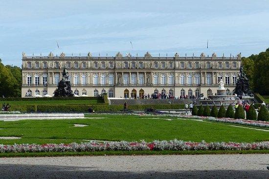 ロイヤルキャッスルヘレンチェムゼーへの日帰りツアーとインヴァレーの観光スポッ…