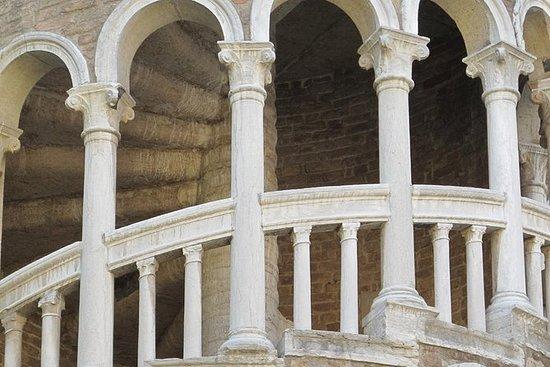 Scala Contarini del Bovolo - Entrance...