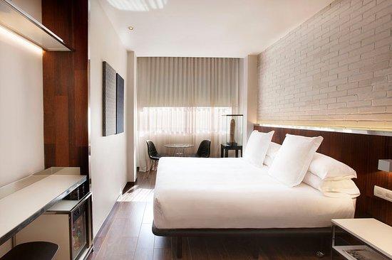 Luxurioese Bilder Von Antiker Kleiderschrank Fuer Elegantes Zimmer , Hotel Balmes Bewertungen Fotos & Preisvergleich Barcelona
