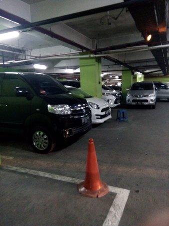 Depok, Indonesien: getlstd_property_photo
