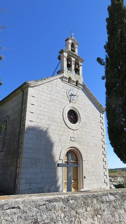 Rogac, Croatie : Church near winery