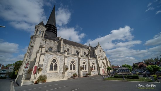 ‪Eglise Saint Laurent de Richebourg‬