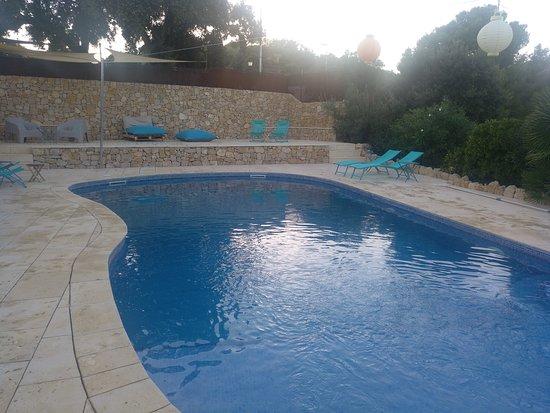 Torrelles de Foix, Spain: La piscina