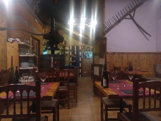 Torrelles de Foix, Spain: el restaurante