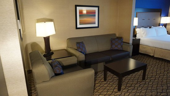 New Milford, PA: Suite