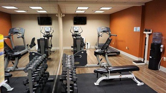New Milford, PA: Health club
