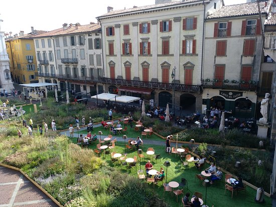 Piazza Vecchia: PLAZA