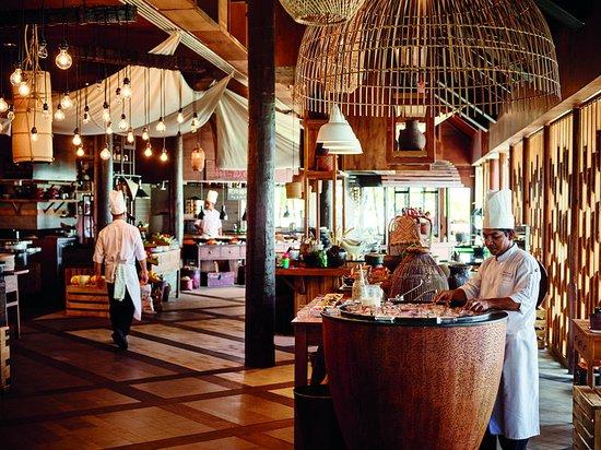 Dhidhoofinolhu Island: Restaurant
