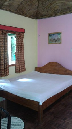 Murti, Indie: Semi Deluxe Cottage Room