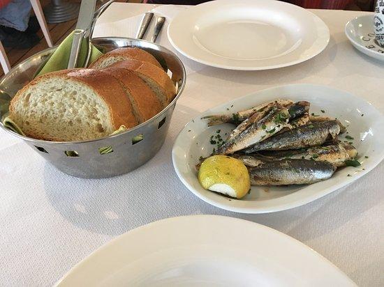 Kapsalion, กรีซ: Sardines