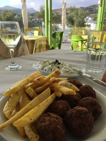 Καψάλι, Ελλάδα: Fried Meat Balls (served with chips)