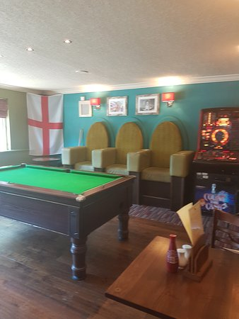 The Lurcher: pool table