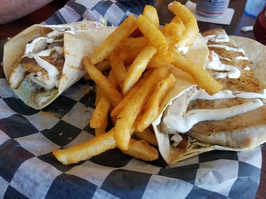 Good Winds Seafood & Wine Bar: Fresh Mahi fish tacos