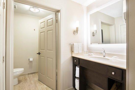 Homewood Suites by Hilton Austin South: Bathroom