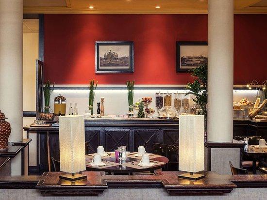 mercure paris orly aeroport hotel voir les tarifs 653 avis et 132 photos. Black Bedroom Furniture Sets. Home Design Ideas