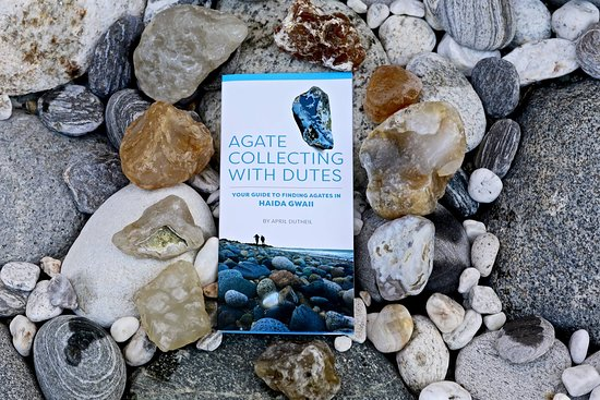 Tlell, Canada: Before you hit the Haida Gwaii beaches, pick-up a copy of our Agate Pocket Guide Photo Gordon To