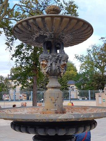 Fontaine Square de la Resistance