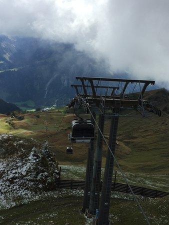 Schoppernau, Austria: Masten mit Gondeln