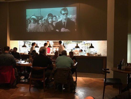 Tozi Restaurant & Bar: Old Italian movies at Tozi's