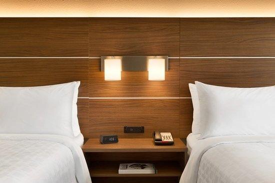 Holiday Inn Express Atlanta Airport: Guest room