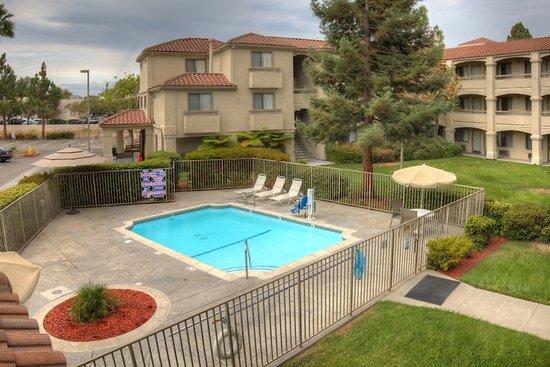 Good Nite Inn Fremont: Pool