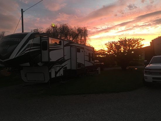 Rig at Cave Country RV Campground