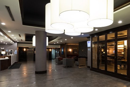holiday inn express edmonton downtown updated 2018. Black Bedroom Furniture Sets. Home Design Ideas