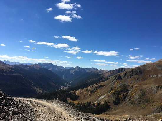 Telluride Offroad Adventures: Heading up the Black Bear Trail to the pass. Wow!