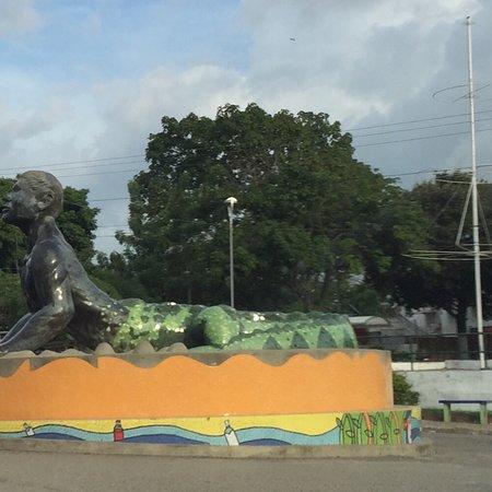 Plato, Kolumbia: Monumento al Hombre Caiman