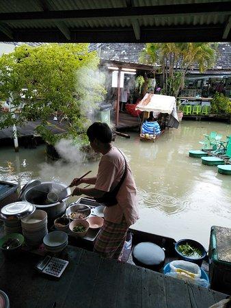 ตลาดน้ำหมู่บ้านปางช้างอโยธยา: 船麵2