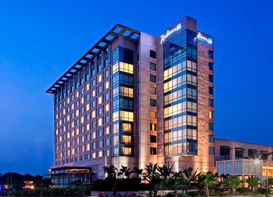 Excellent Property Near the Airport  - Review of Radisson Blu Hotel