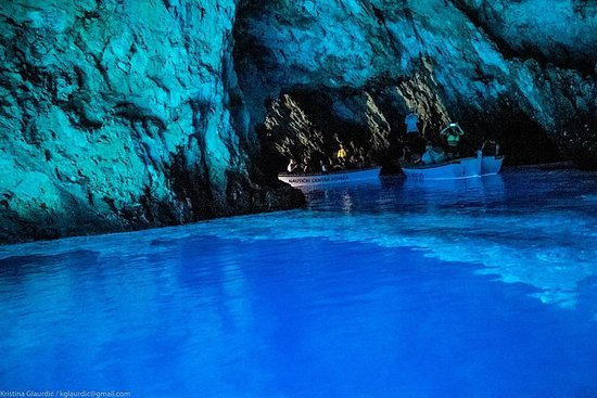Small Group: Blue Cave and 5 Islands...