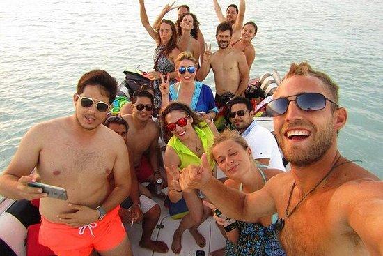 Recorrido turístico en barco a la...