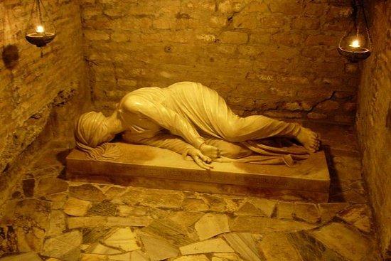 Excursão em Criptas e Catacumbas em...